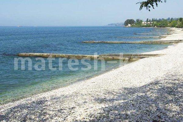 Городской пляж нового афона фото